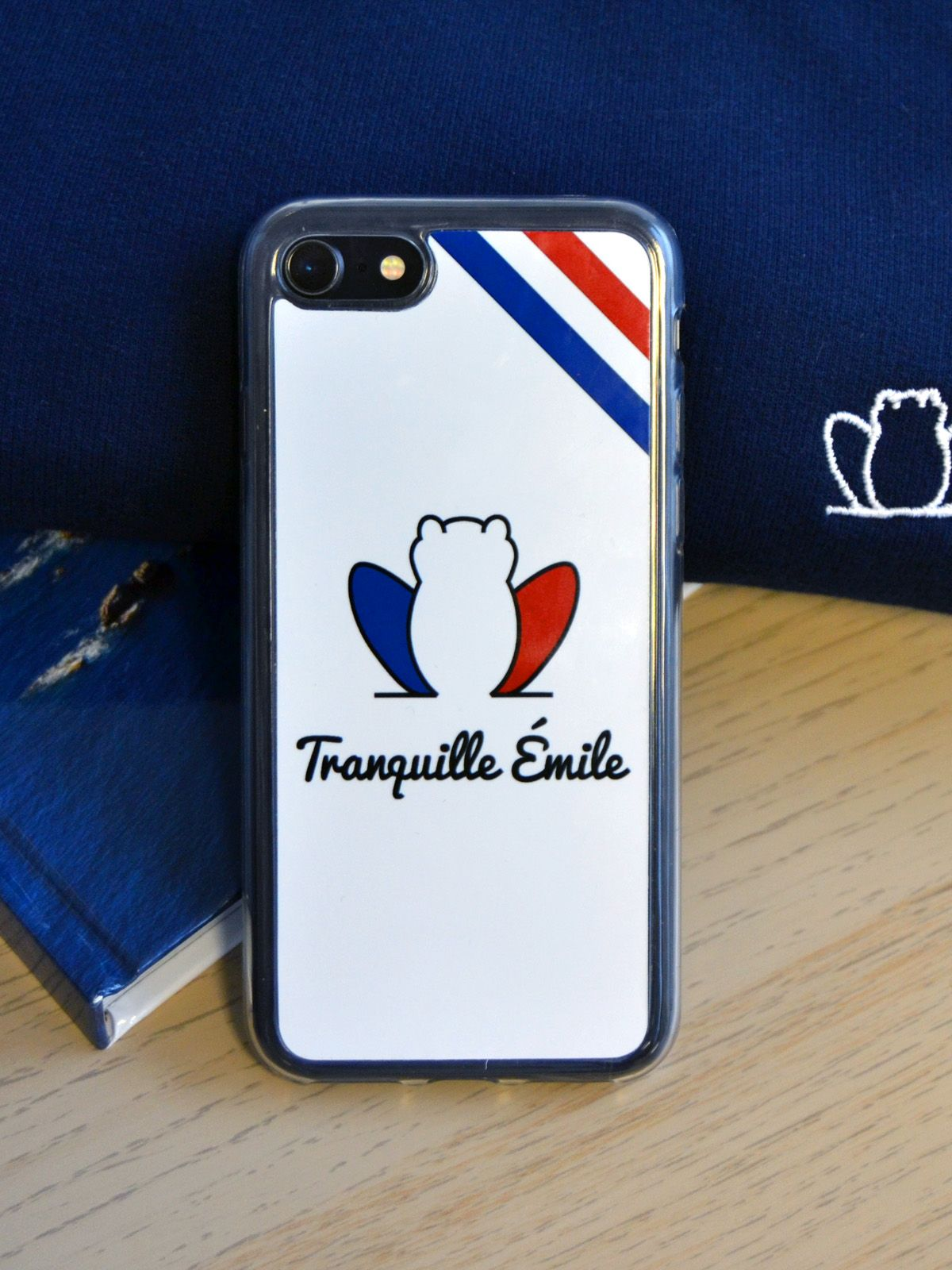 coque-iphone-made-in-france-tranquille-emile-tricolore