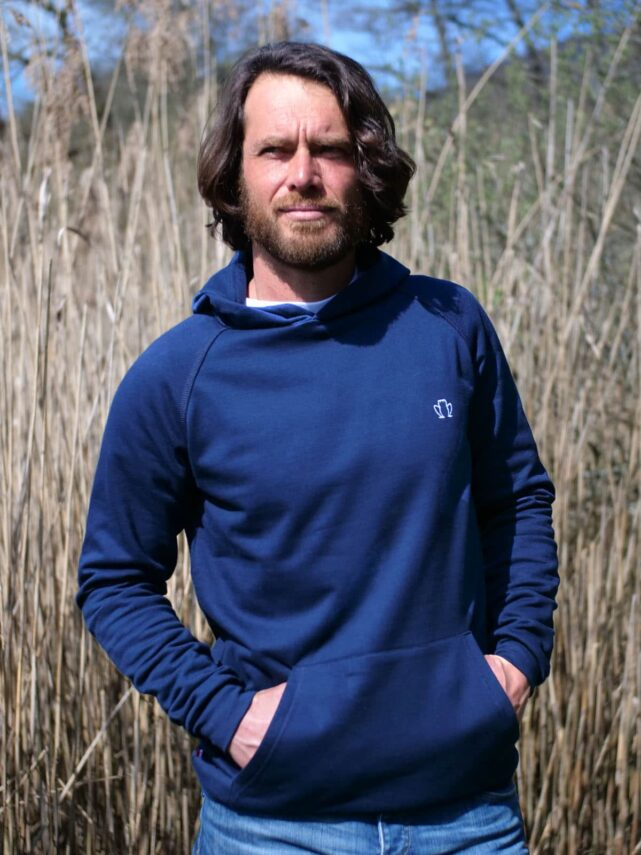 sweat-capuche-made-in-france-homme-le-confortable-3-0-bleu-marine-1