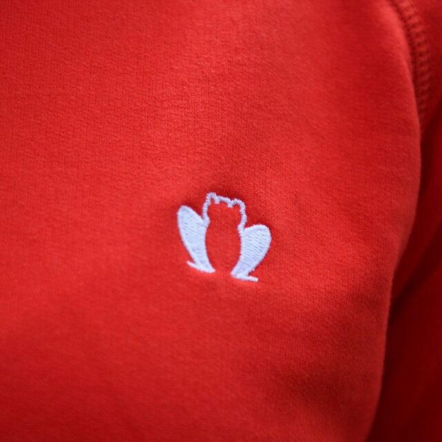 sweat-a-capuche-made-in-france-le-confortable-rouge-broderie