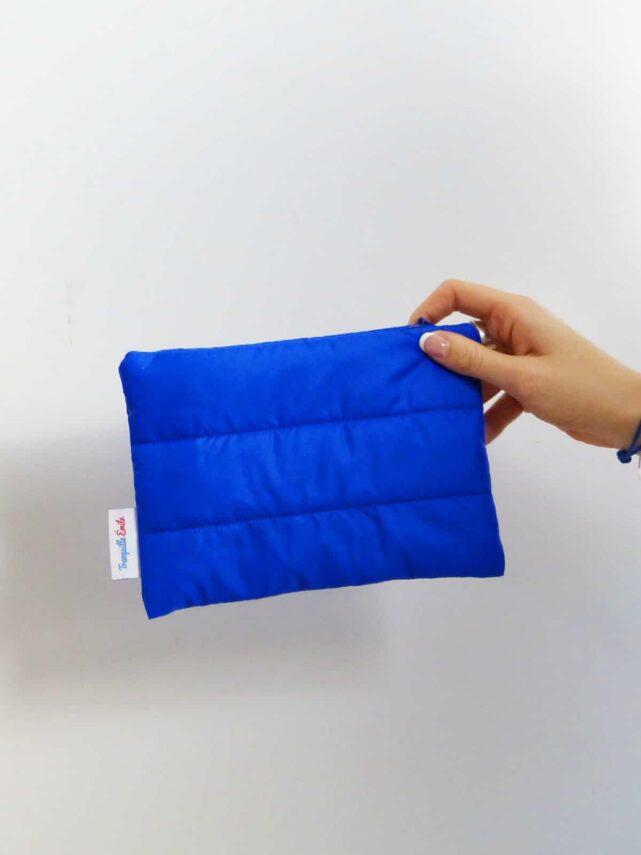 pochette-upcycling-made-in-france-tranquille-emile-bleu-majorelle