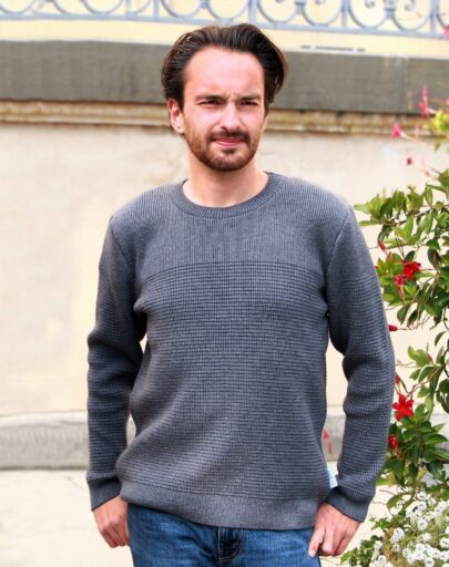 pull-homme-made-in-france-tranquille-emile-laudacieux-gris-1