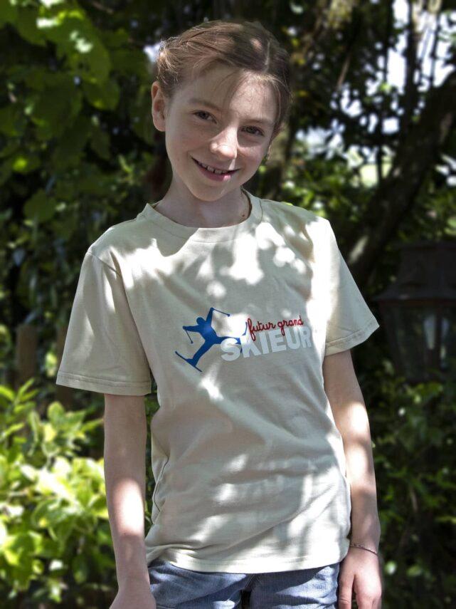 t-shirt-enfant-made-in-france-futur-grand-skieur-4