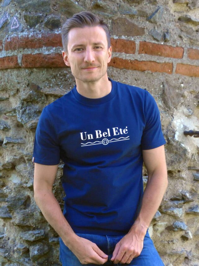 t-shirt-made-in-france-homme-un-bel-ete-bleu-marine-quenti