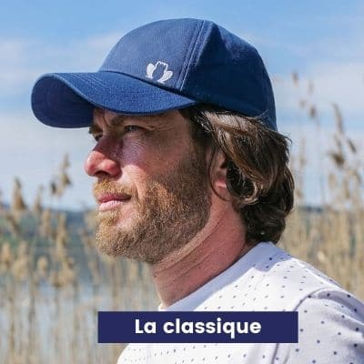 casquette-bleue-made-in-france-dans-ma-valise