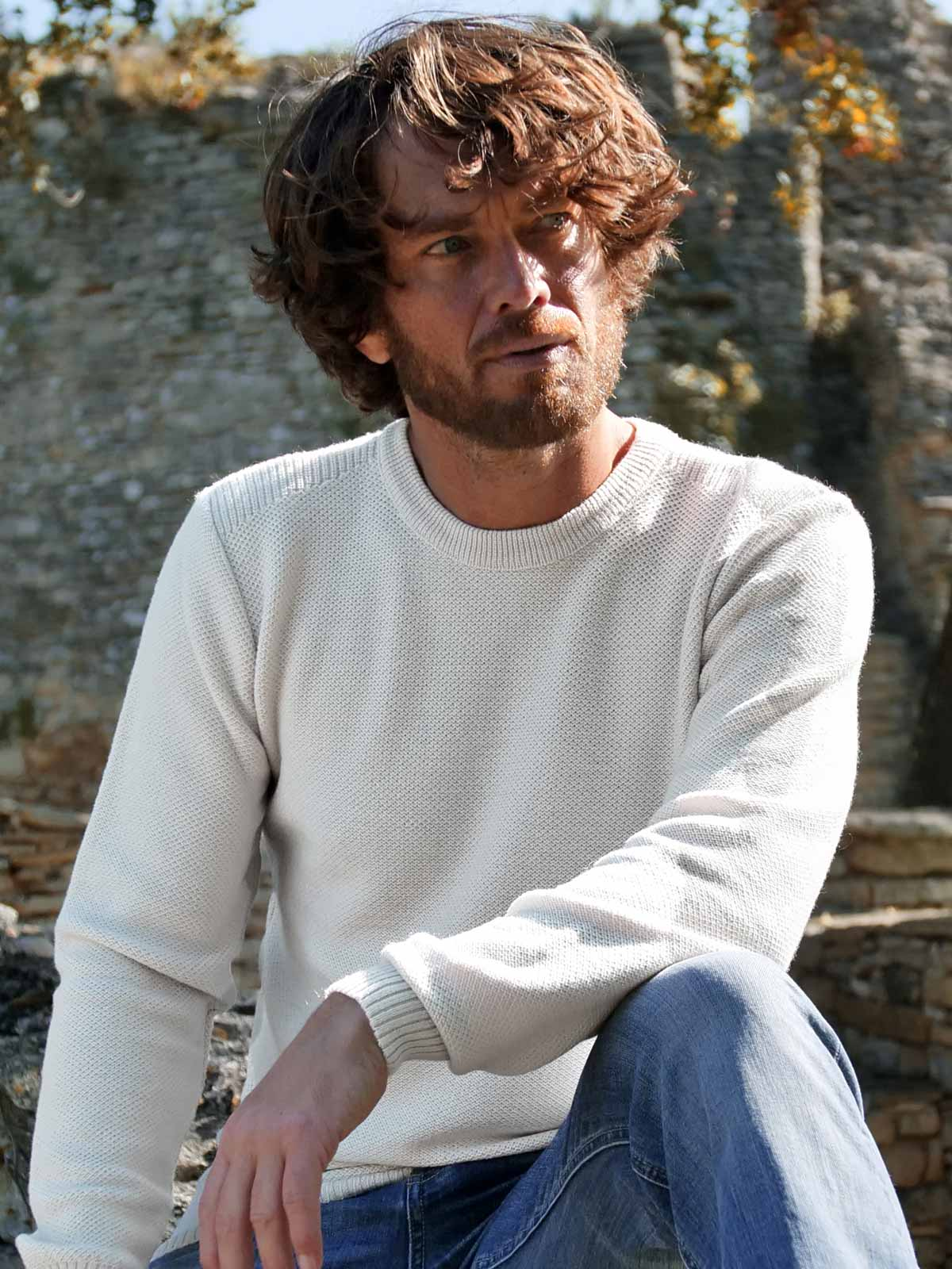 pull-made-in-france-homme-le-minutieux-ecru-1